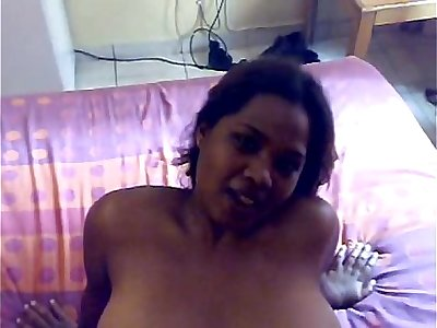 Sexy desi whore gives a nice blowjob and ball licking