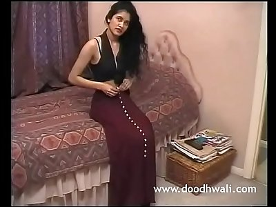 Shabana Kausar Brit Indian Girl Getting off