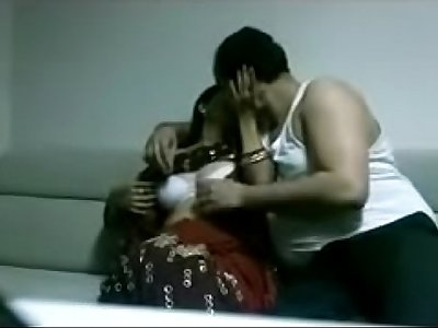 indian desi wifey in saree fucking stranger in house juicypussy69.blogspot.in