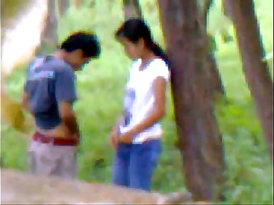 Desi girlfriend outdoor penetrating with bf indian and bangla